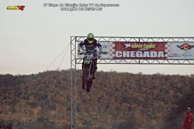 Edmundo Pires #17, de Pirapora, venceu a principal categoria da prova